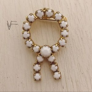 Vintage 60s Milk Glass & Gold Tone Wreath Brooch